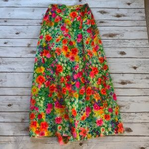 VINTAGE- Leslie Fay Personal Floral Maxi Skirt.